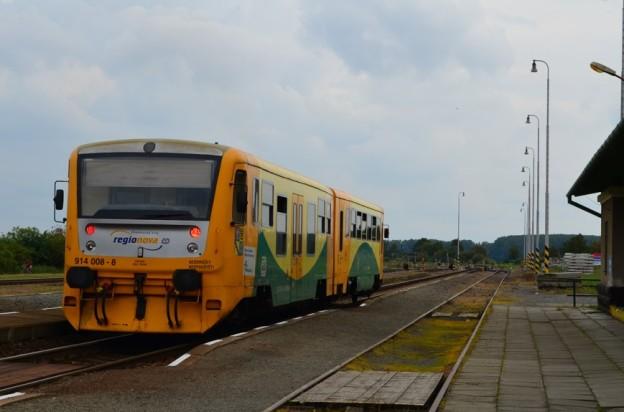 vlak-RegioNova-Kostelec-624x412