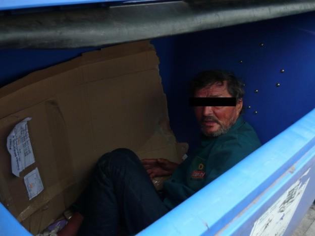 17_5_2013 bezdomovec v kontejneru 19_05_jpg (1)