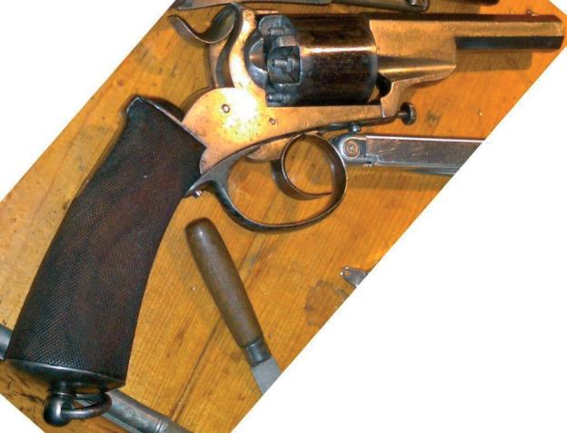 Adams_perkusní_revolver