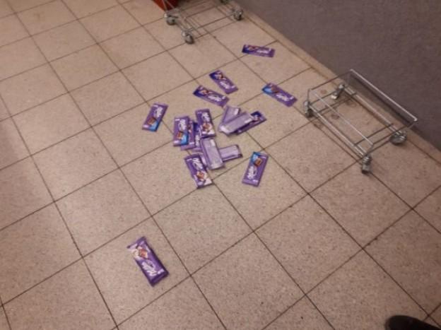 odcizené čokolády
